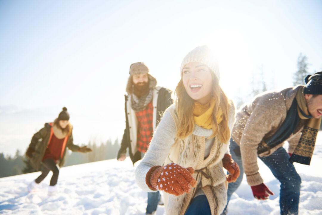 Vertikal Helse N3 572661676 winter sun friends