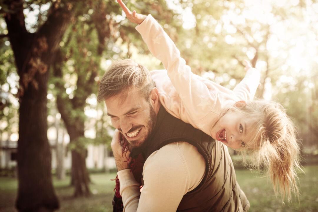 Vertikal Helse N3 1066971761 father daughter